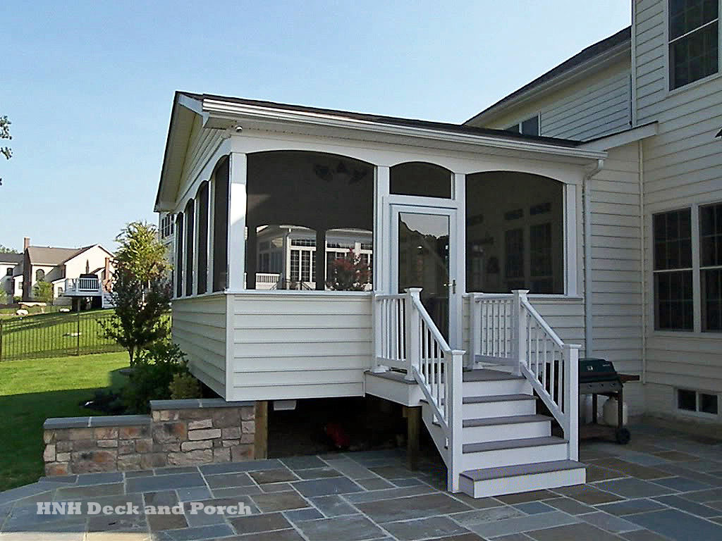 Porches screened room gallery hnh deck and porch llc for Gallery porch